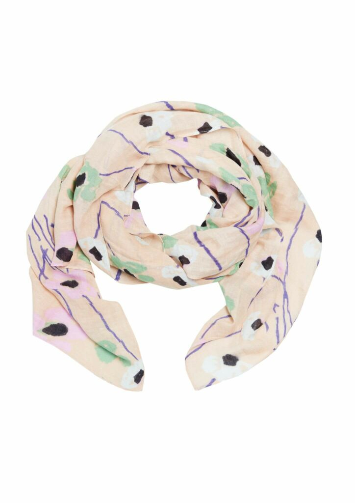 Freisteller eines Tuches Bitte Kai Rand Leichter Schal Poppy Rose in rosa mit Mohnblumen in weiß, inkl. grüner- und lilafarbener Details.